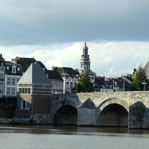csm Servaasbrug en Stadhuis Maastricht 426x426 c273fac934