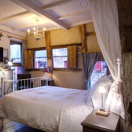 Hemels bed2 426x426 1